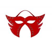 Фигурная маска с заклёпками, красная